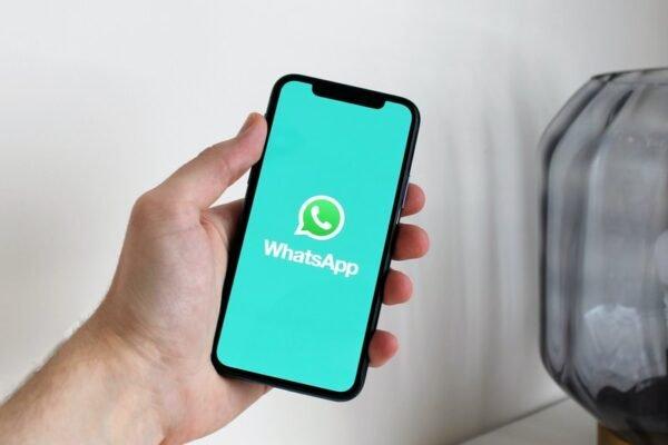 """Les statuts WhatsApp, de véritables lieux de """"non-dits"""""""